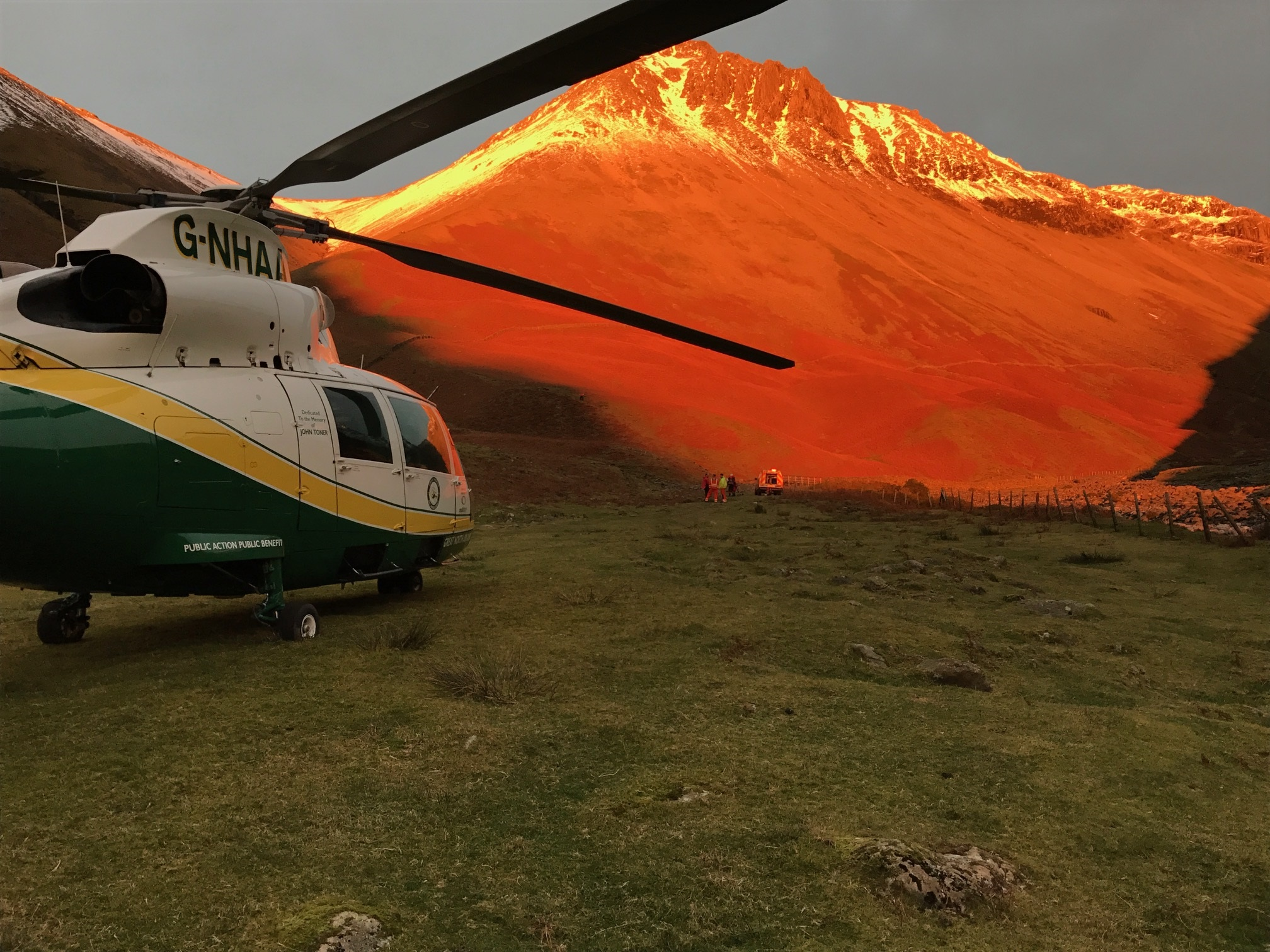 gnaas helicopter at great gable